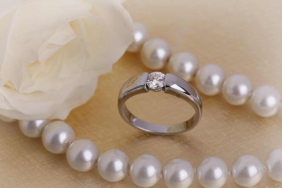 Single Stone Engagement Ring for Women in Platinum with a Round Diamond in a Tension Setting-img1