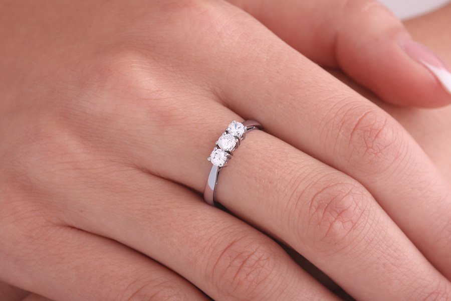 Single Stone Engagement Ring for Women in Platinum with a Princess Cut Diamond in a Bar Setting-img1
