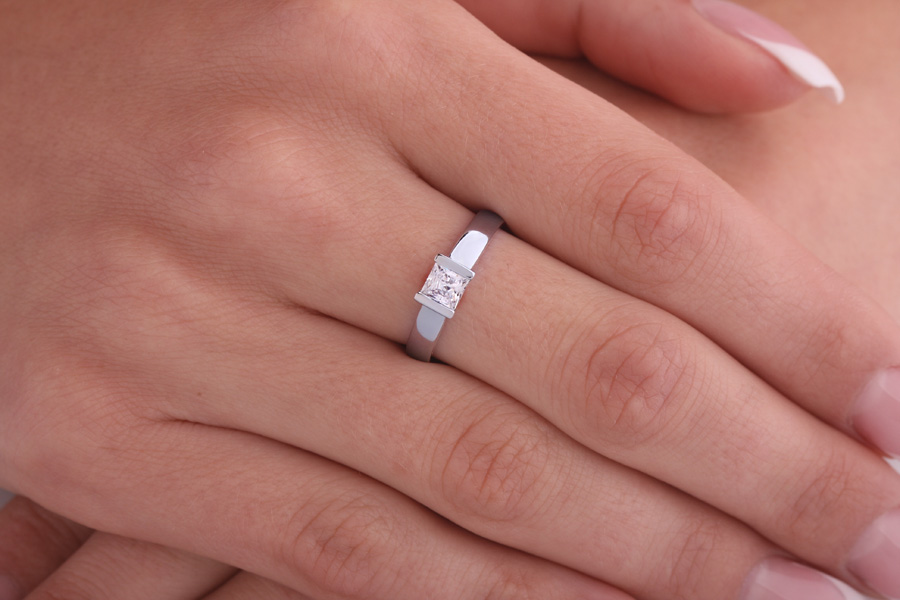 Single Stone Engagement Ring for Women in 18ct White Gold with a Princess Cut Diamond in a Bar Setting-img1
