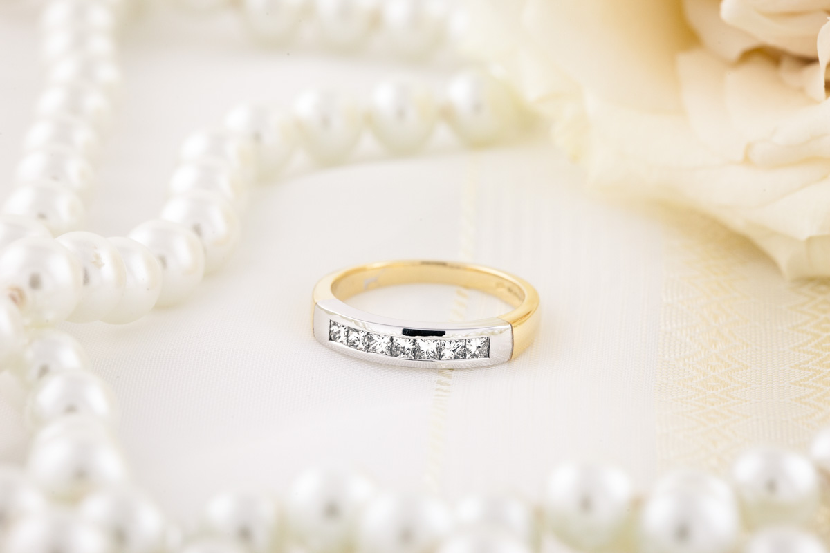 Half Eternity Ring for women in 9ct yellow and white gold with 7 Princess cut diamonds in channel setting-img1