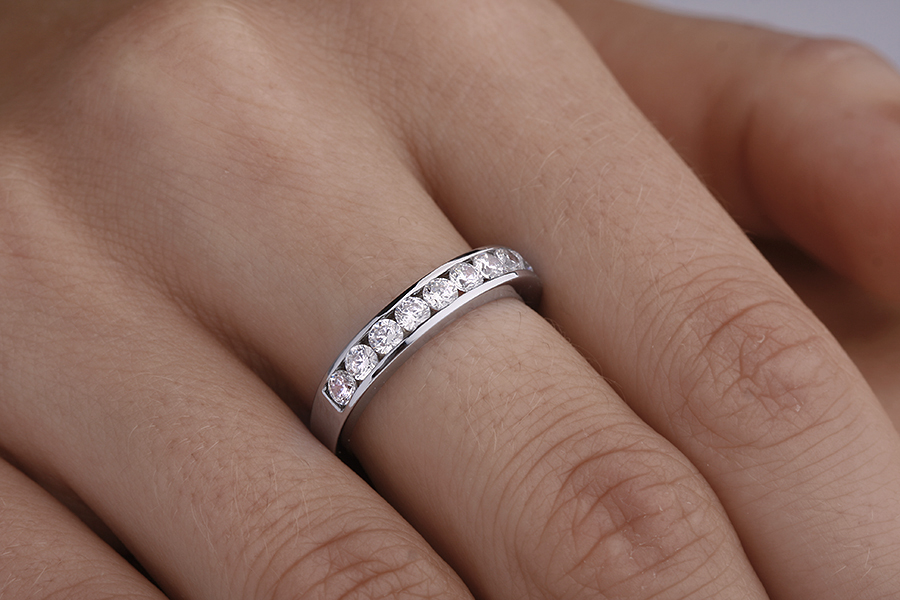Half Eternity Ring for women in platinum with 9 round brilliant cut diamonds in channel-setting-img1