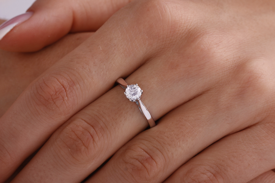 Single Stone Engagement Ring for Women in Palladium with a Round Brilliant Cut Diamond in a 6-claw Setting-img1