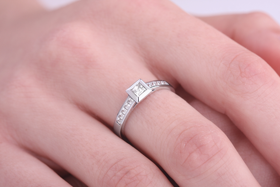 Single Stone Engagement Ring With Shoulders for Women in 18ct White Gold with a Princess Cut Centre and Princess Cut Shoulder-Diamonds-img1