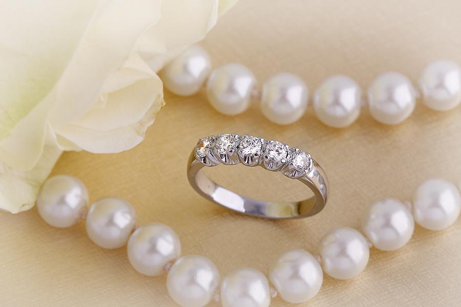Inel Semi Eternity Dama Aur Alb, 18kt cu 5 Diamante Rotund Briliant-img1