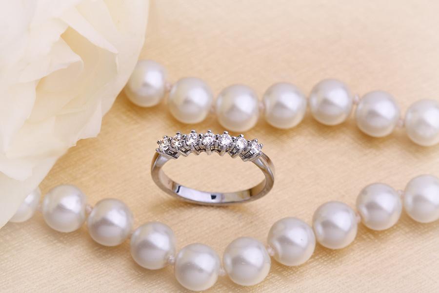 Inel Semi eternity Dama Aur Alb, 18kt cu 7 Diamante Rotund Briliant Setate cu Gheare-img1