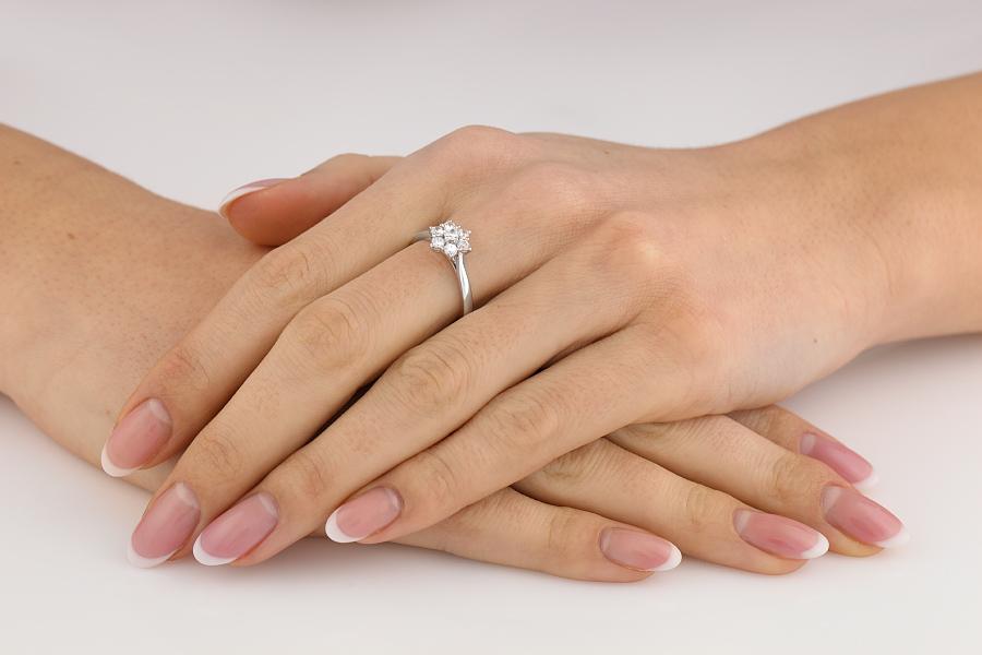 Inel de Logodna Cluster cu Mai Multe Diamante Dama Platina cu 7 Diamante Rotund Briliant in Setare Gheare-img1
