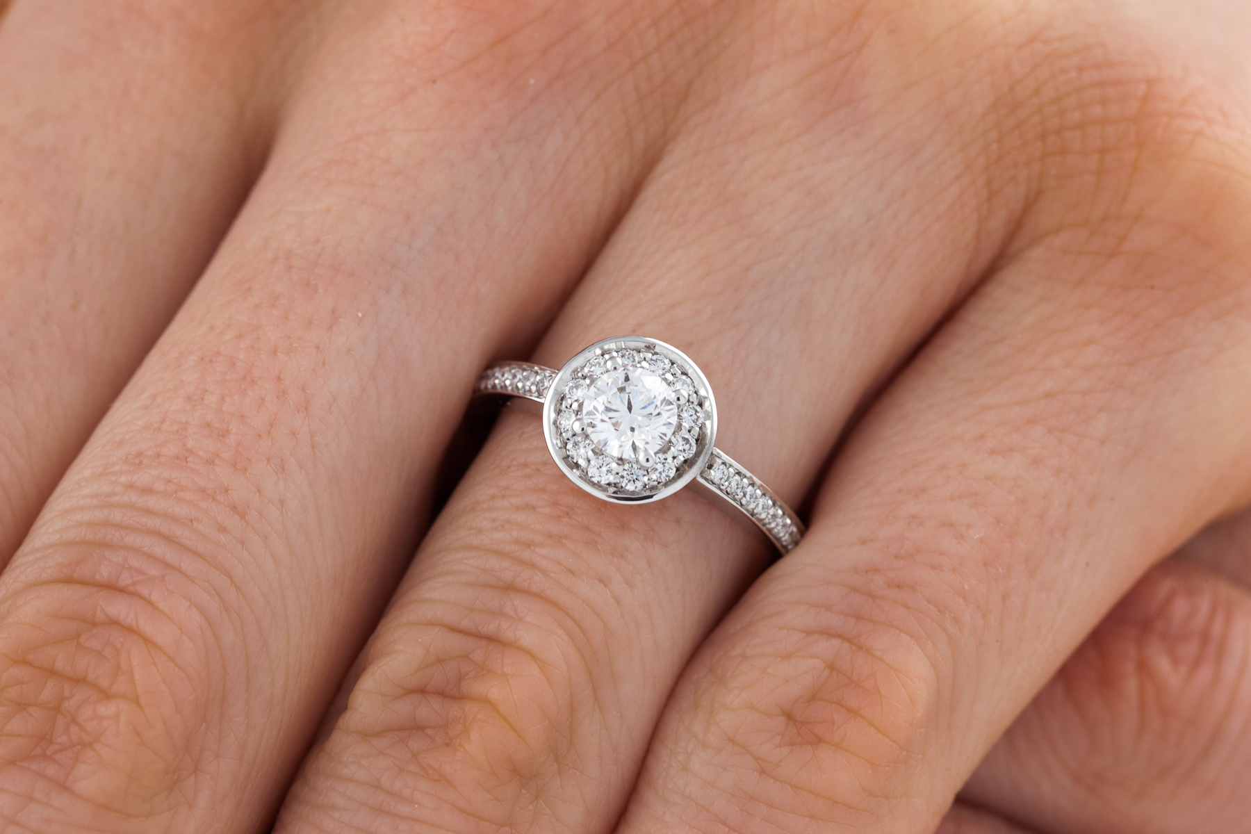 single stone engagement ring with shoulders cluster engagement