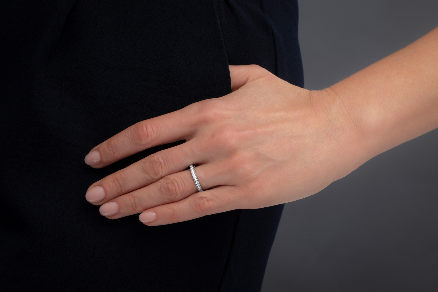 Full Eternity Ring/Diamond set wedding ring for women in 9ct white gold with round brilliant cut diamonds in a claw setting-img1