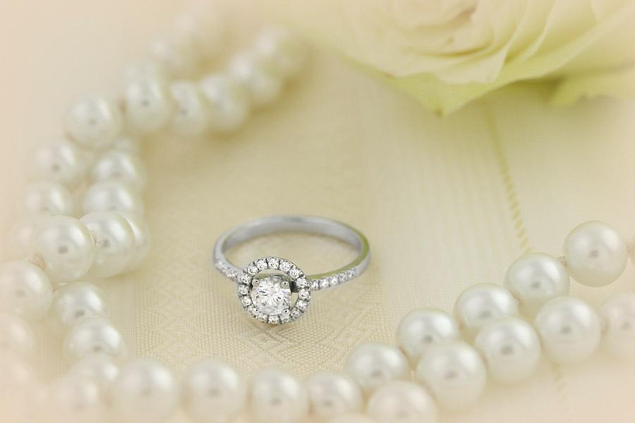 Inel Cocktail/ Inel de Logodna cu Diamante Dama Aur Alb 18kt cu Diamante Rotund Briliant Setate cu Gheare, Stil Halo-img1
