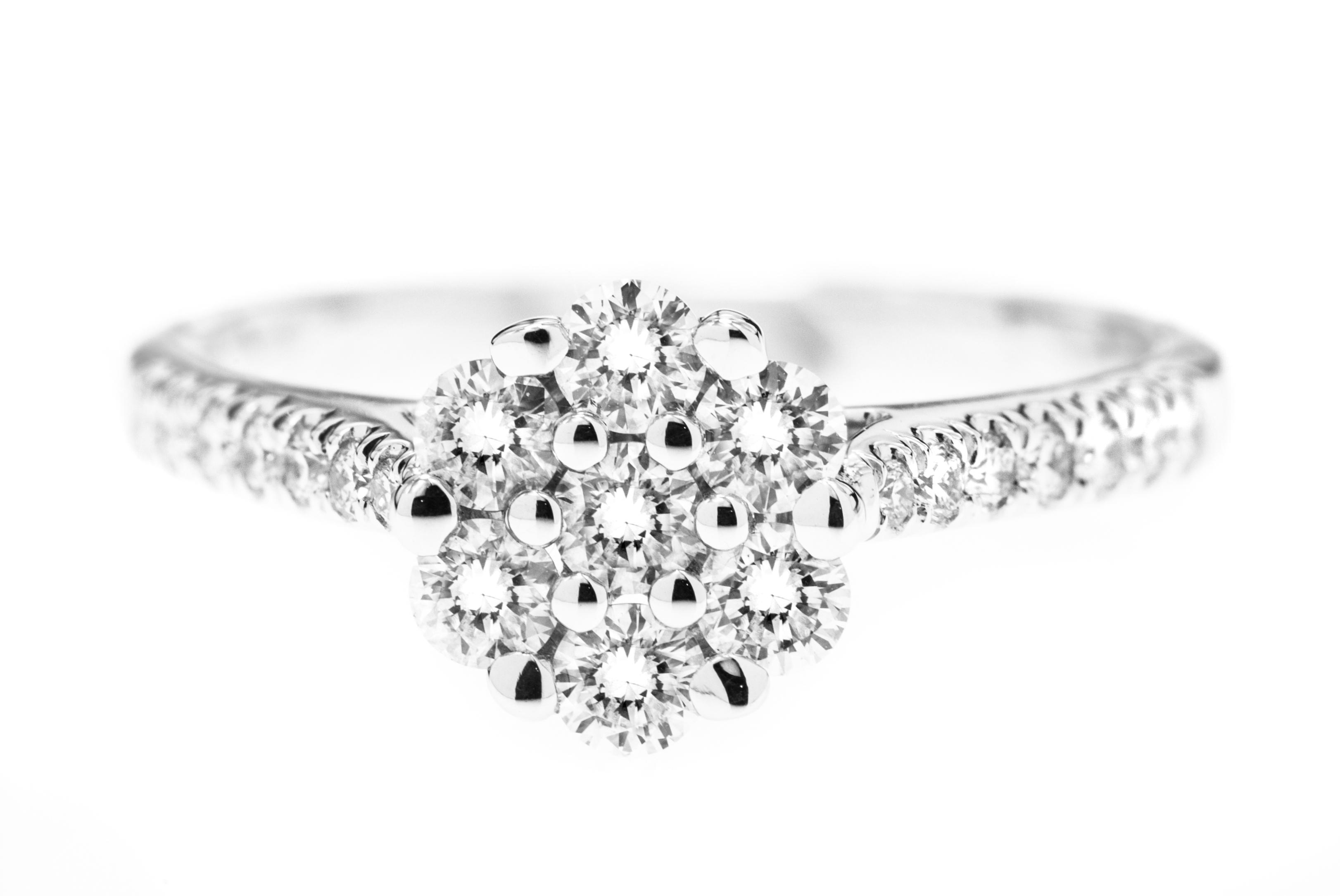 Inel de Logodna Cluster Dama Aur Alb 18kt cu Mai Multe Diamante Rotund Briliant in Setare Gheare-img1