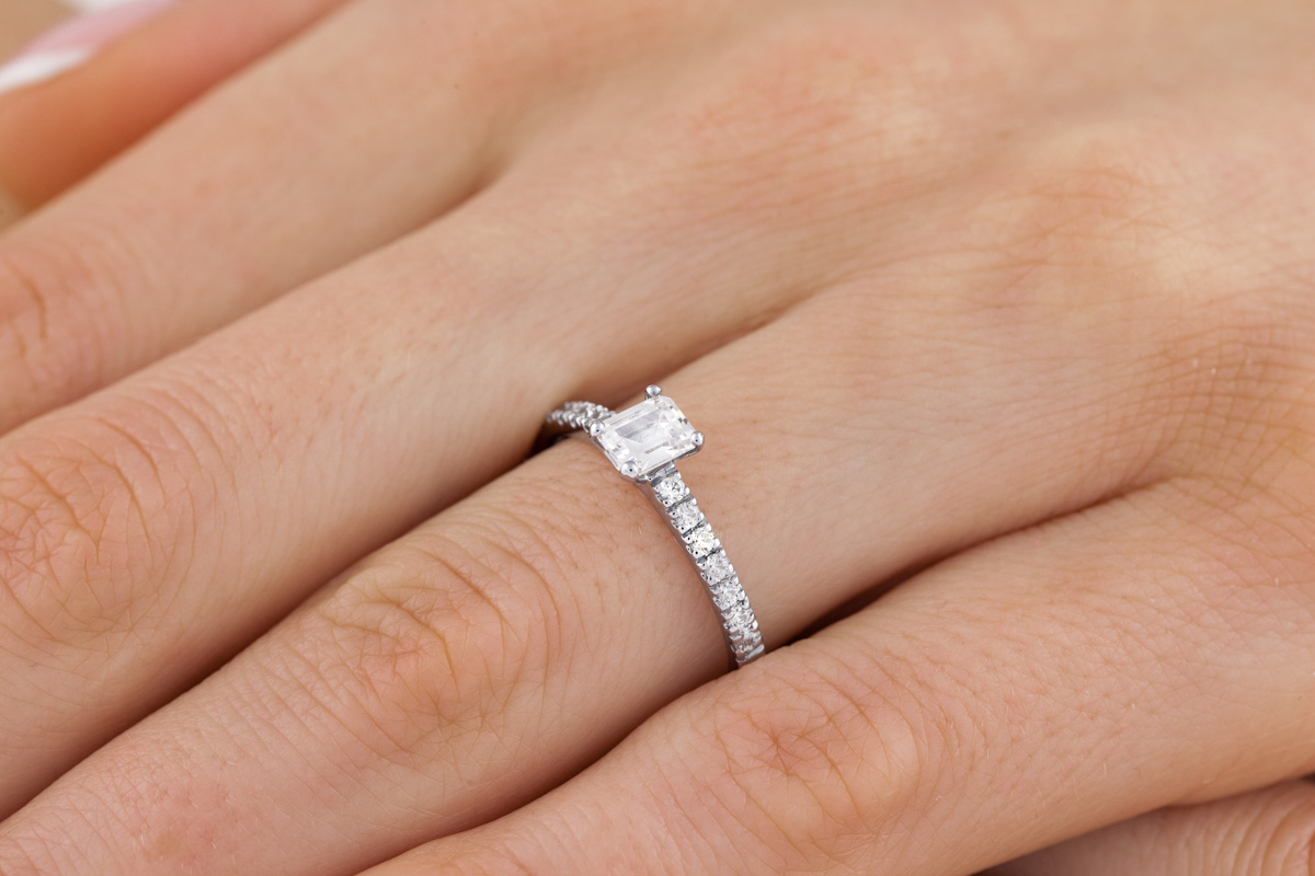 518dfae7fdf867 Single Stone Engagement Ring With Shoulders for Women in 18ct White Gold  with an Emerald Cut