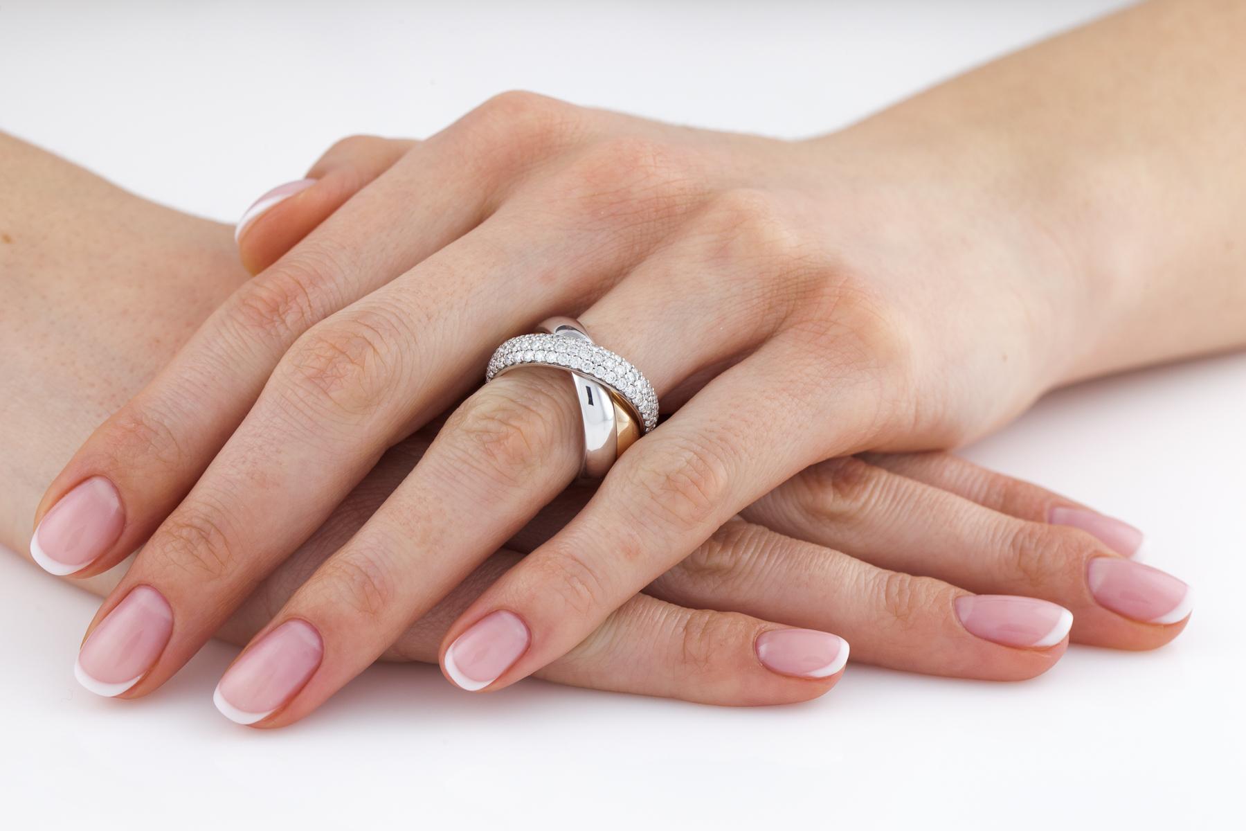 Verigheta cu Diamant Dama Aur Alb, Galben si Roz de18kt, Stil Russian, Format din 3 Verighete Interconectate si Diamante Mici Rotund Briliant, Latime 5mm-img1