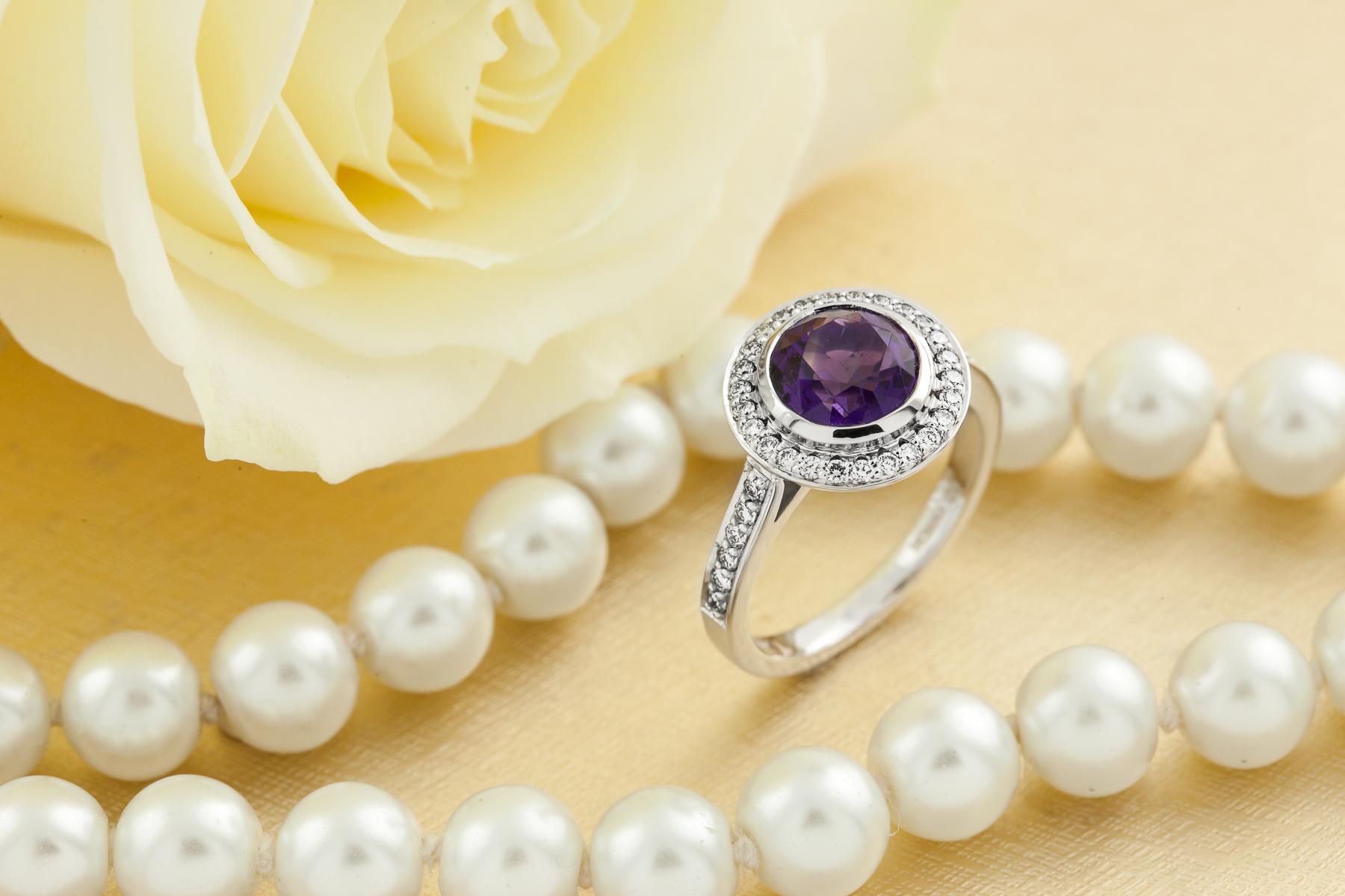 Inel Dama Aur Alb 18kt cu Ametist si Diamante, Stil Halo-img1