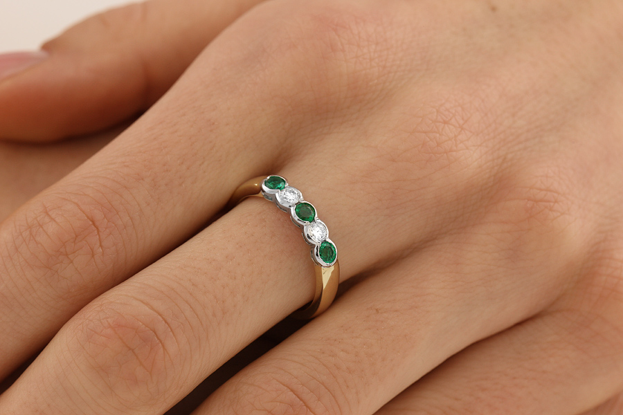 Emerald and Diamond Eternity Ring for Women in 9ct yellow and white gold with 3 round emeralds and 2 round brilliant diamonds-img1