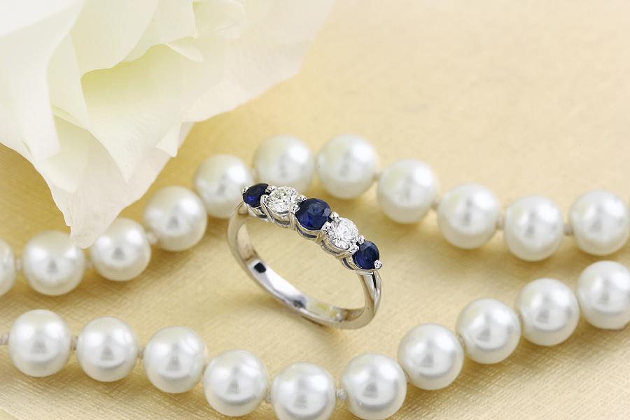 Inel cu Safir si Diamant Dama Aur Alb 18kt cu 5 Pietre, Safire si Diamante cu Dimensiuni Gradate-img1