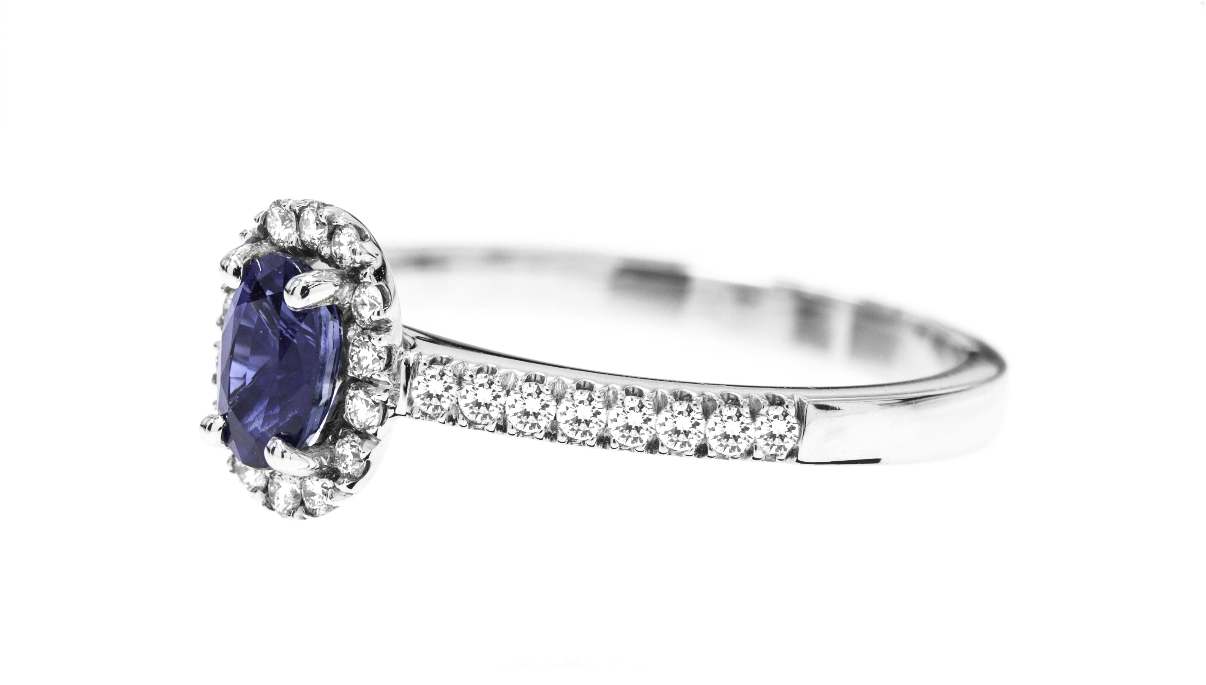 Inel Safir si Diamante Dama Aur Alb 18kt cu un Safir Oval si Diamante Rotunde-img1