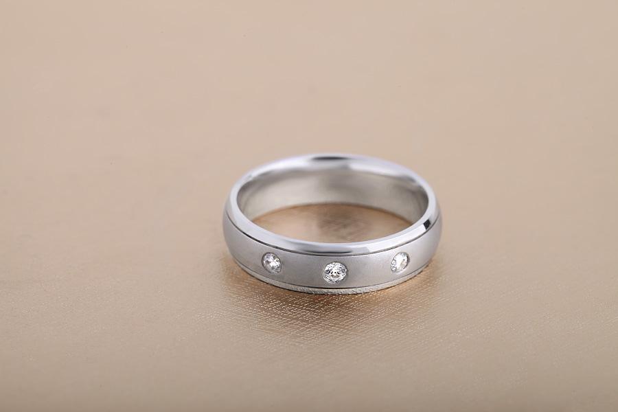 Verigheta/Inel cu Diamant Barbat Platina cu 3 Diamante Rotunde, Profil Rotunjit-img1