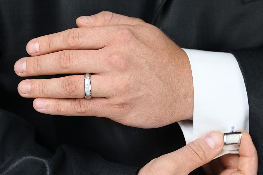 Diamantring/Ehering mit Diamanten für Mann in 18kt Weißgold mit 3 runden Diamanten bombiertes Profil-img1
