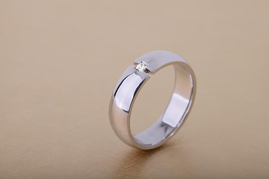 Diamantring/Ehering mit Diamanten für Mann in 18kt Weißgold mit einem Princess Schliff Diamanten-img1