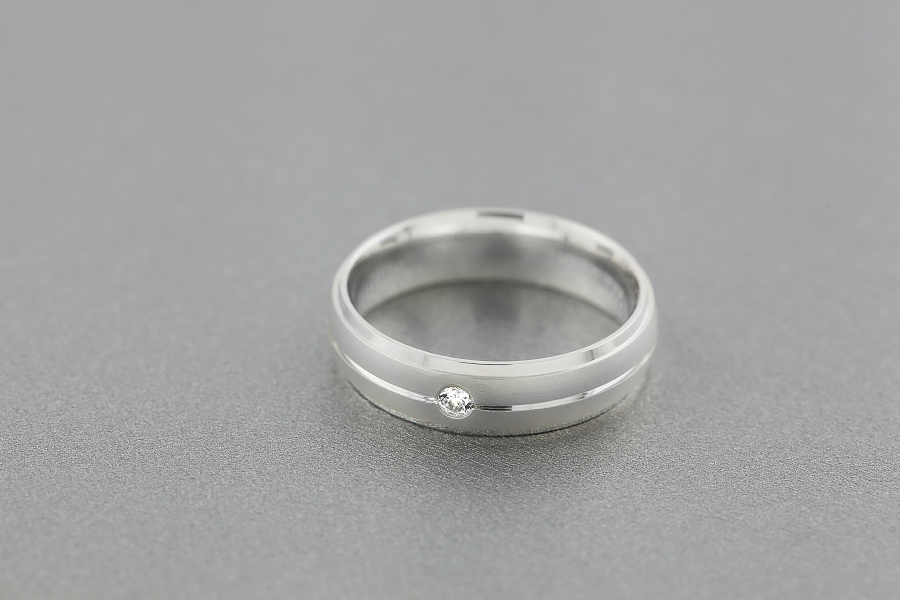 Diamond Ring/Diamond set Wedding Ring for Men in palladium with a single round brilliant cut diamond, court profile, sandblasted and polished, width 6mm-img1