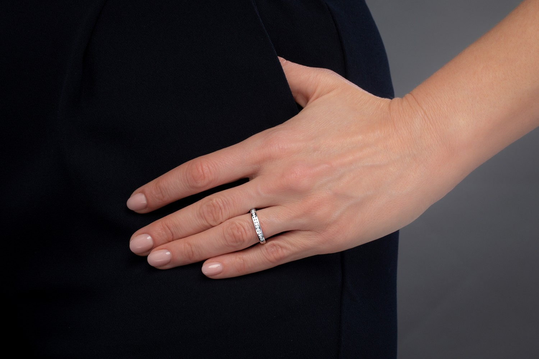 Verigheta cu Diamant/ Inel Eternity Dama Aur Alb 18kt cu 14 Diamante Rotund Briliant in Setare Canal Profil Bombat Latime 2.9mm-img1