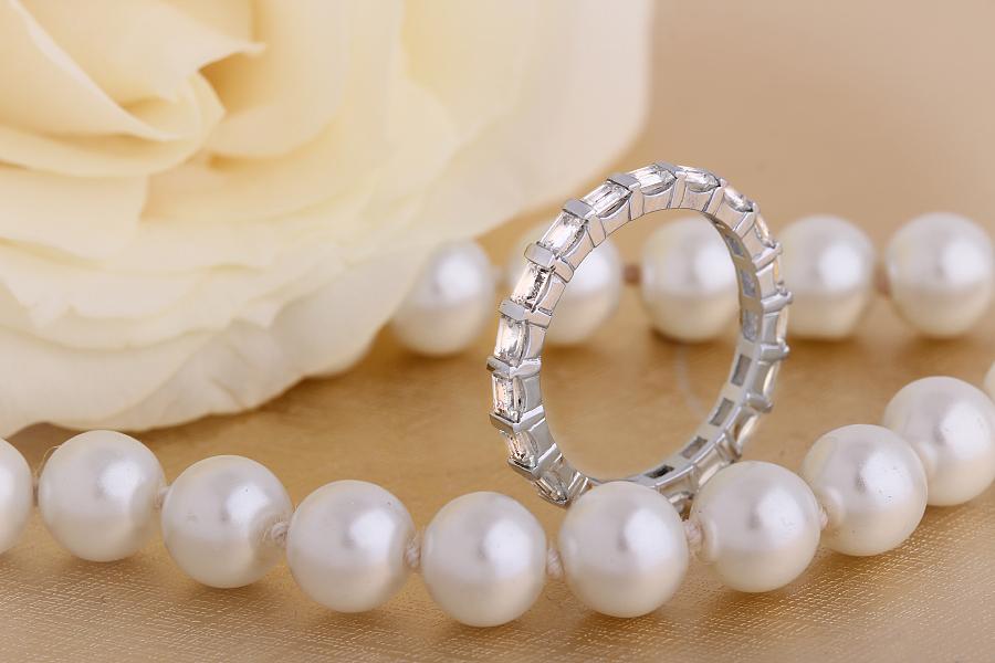 Verigheta cu Diamant/Inel Eternity Dama Aur Alb 18kt cu Diamante Forma Bagheta in Setare Tip Bara, Latime 2.3mm-img1