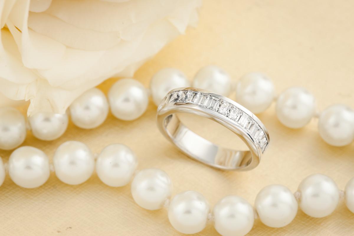 Inel Semi Eternity/Verigheta cu Diamant Dama Aur Alb 18kt cu Diamante Princess alungite si Forma Bagheta-img1