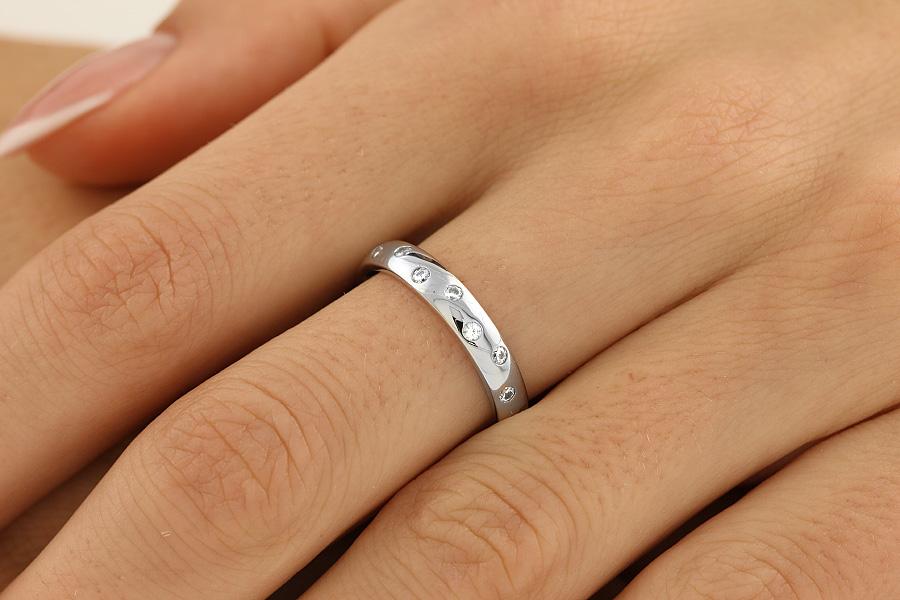 Verigheta cu Diamant Dama Aur Alb 18kt cu 8 Diamante Forma Briliant Rotund Profil Bombat Latime 3.5mm-img1