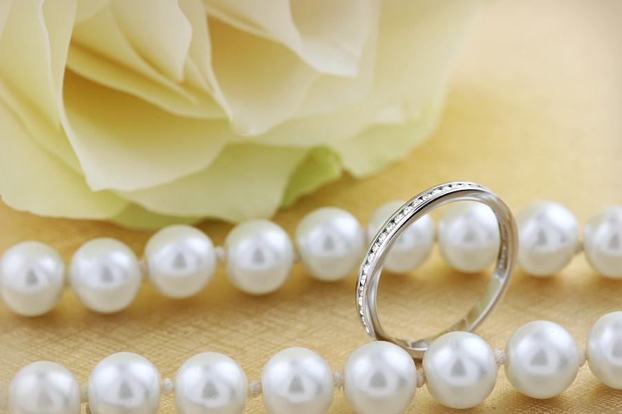 Verigheta cu Diamant/ Inel Eternity Dama Aur Alb 18kt cu Diamante Rotund Briliant in Setare Canal, Latime 2,1mm-img1