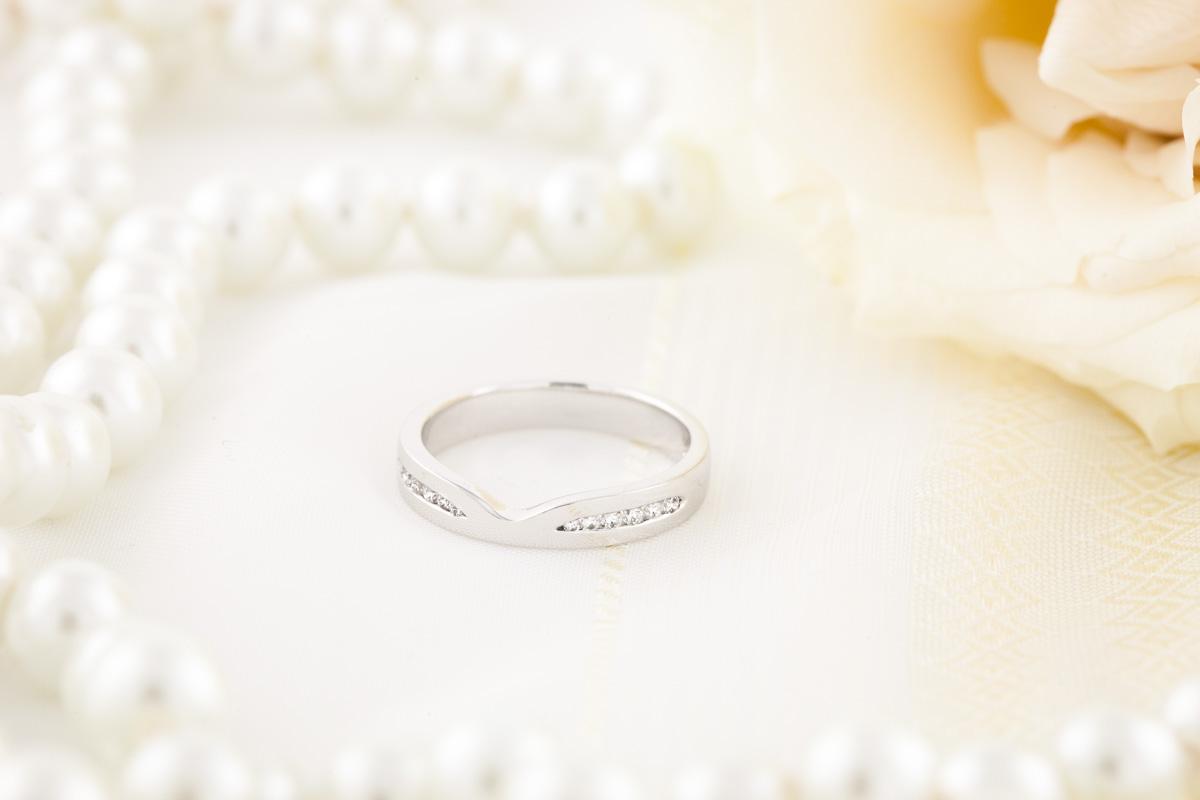 Verigheta cu Diamant/ Inel Eternity Dama Aur Alb 18kt cu 12 Diamante in Setare Canal, Latime 3.5mm-img1