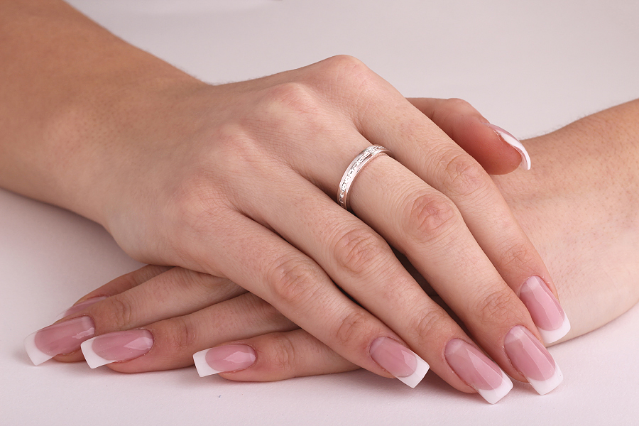 Voll Eternity Ring/Ehering mit Diamanten für Dame in 18kt Weißgold mit Baguette Schliff Diamanten in Kanalfassung die gehen ringsherum-img1