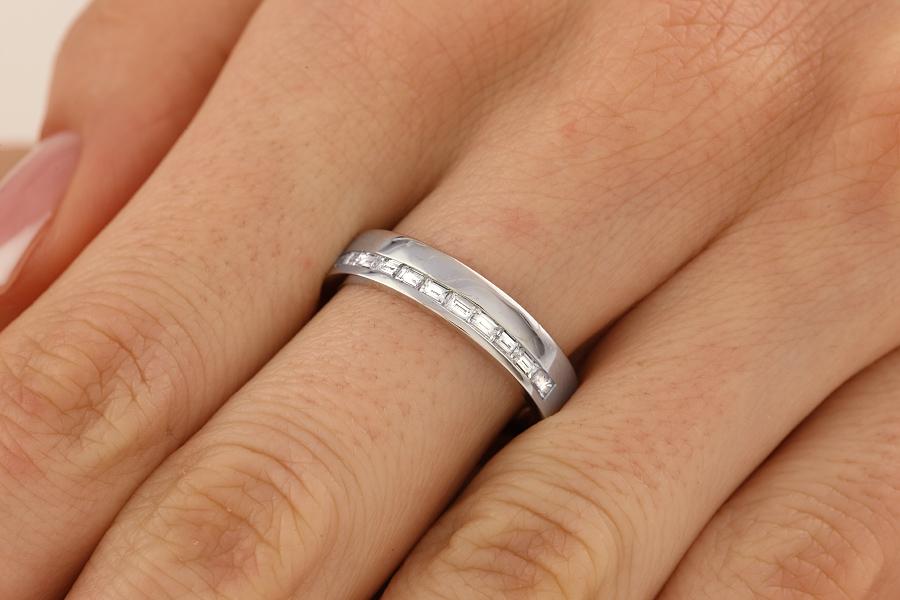 Verigheta cu Diamant Dama Aur Alb 18kt cu 11 Diamante Forma Bagheta cu Setare Canal Latime 4.5mm-img1