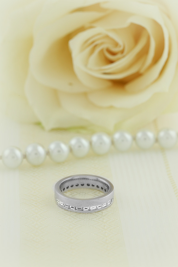 Verigheta cu Diamant Dama Aur Alb 18kt cu Diamante Bagheta in Setare Canal de Jur Imprejur Latime 4.5mm-img1