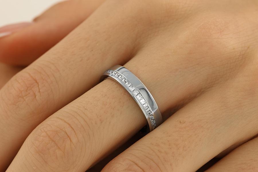 Verigheta cu Diamant Dama Aur Alb 18kt cu Diamante Taietura Princess In Setare Canal Imprejurul Inelului Latime 4.5mm-img1