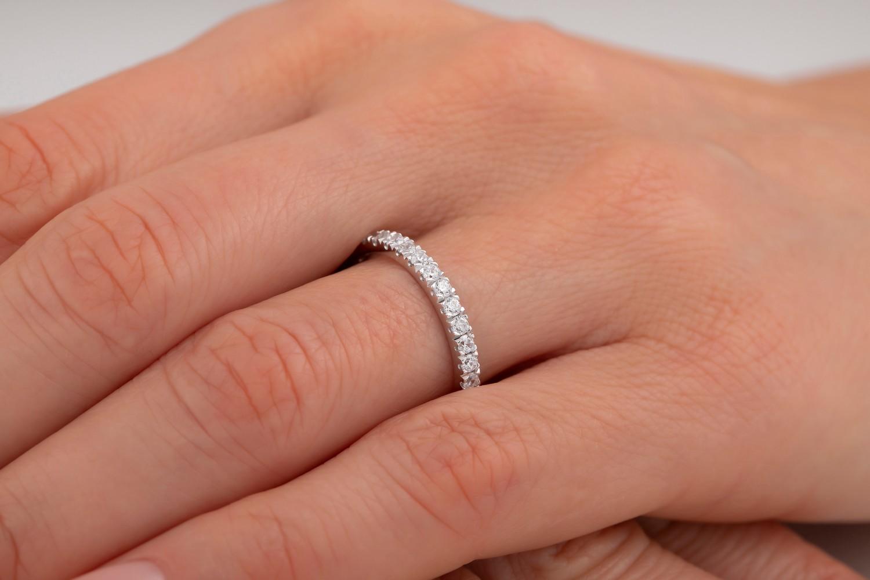 Inel Eternity/Verigheta cu Diamant Dama Aur Alb 18kt cu Diamante Rotund Brilliant de jur imprejur-img1