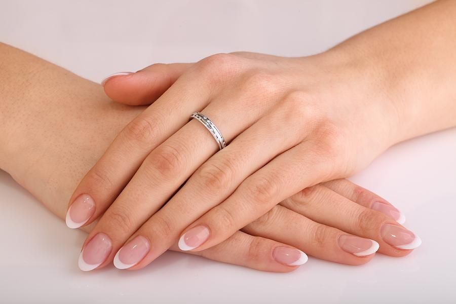 Ehering mit Diamanten für Dame in 18kt Weißgold mit 15 runden Brillanten, bombiert, 3.5mm breit-img1