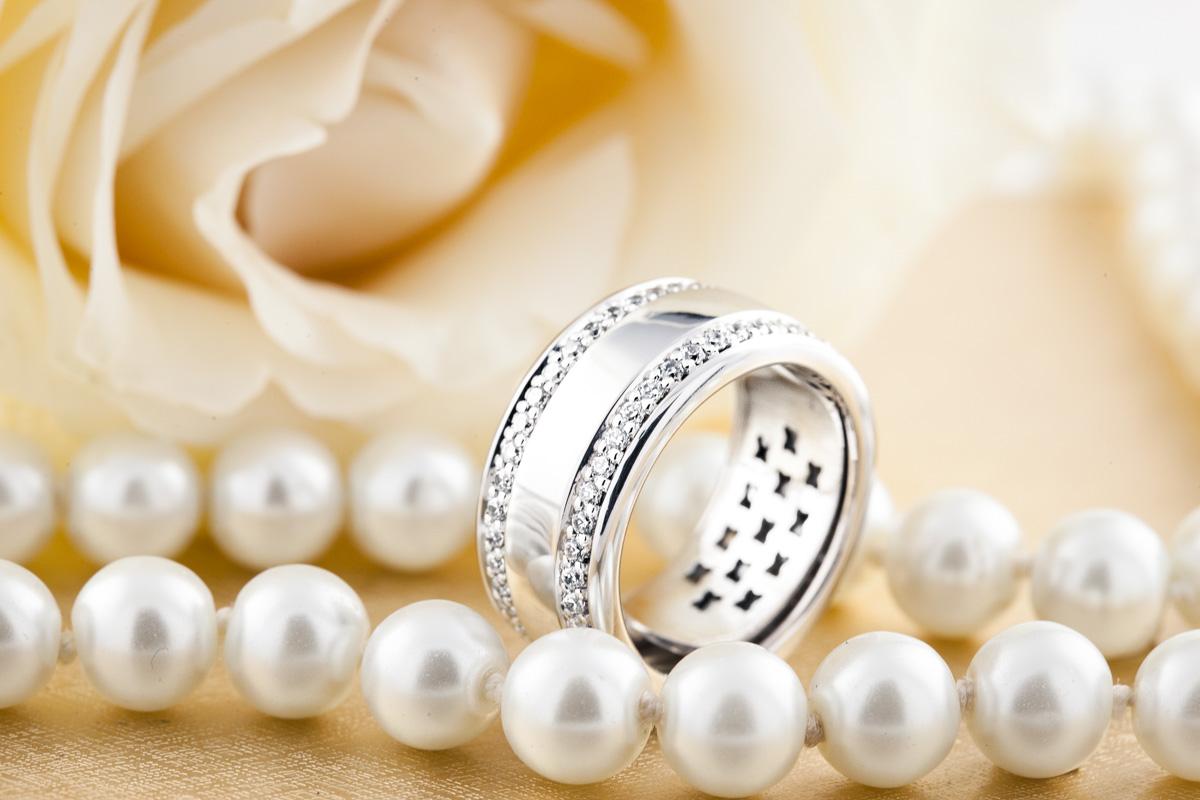 Verigheta cu Diamant/Inel Eternity Dama Aur Alb 18kt cu Doua Randuri de Diamante Mici Rotund Briliant pe Margini, Latime 10mm-img1