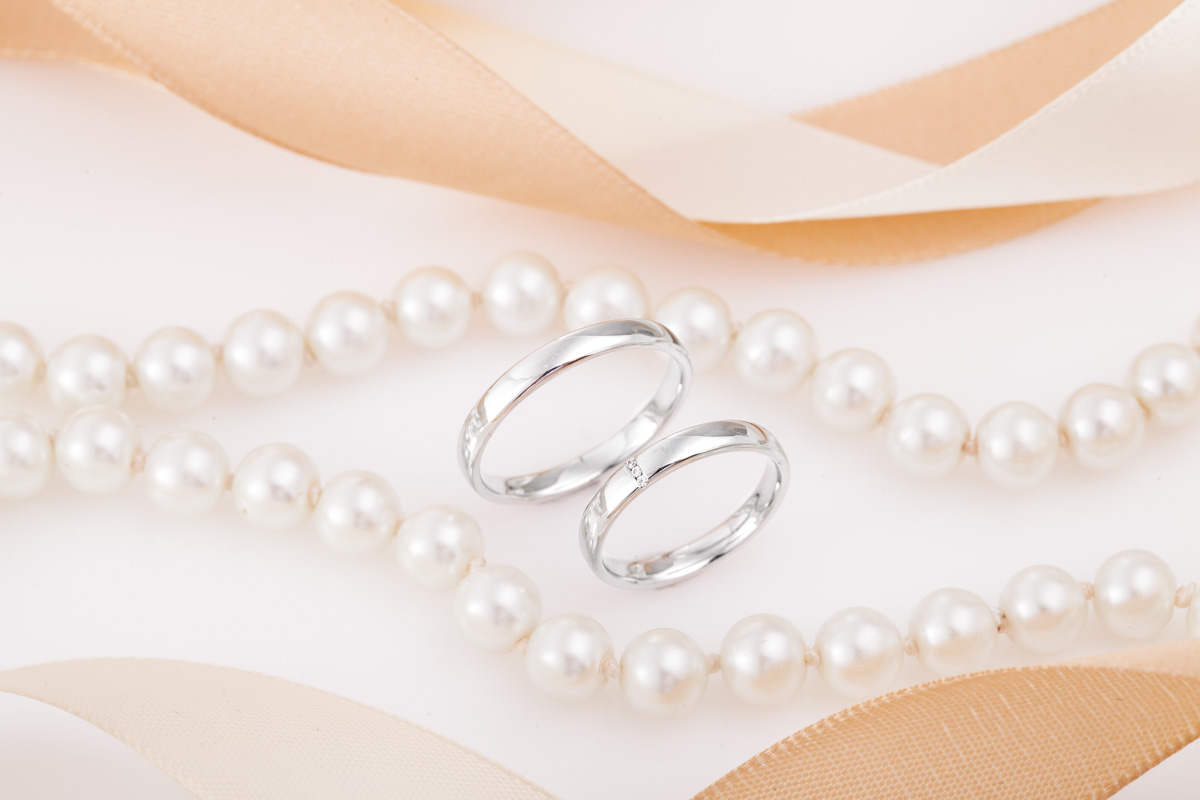 Set de Verighete Aur Alb 14kt cu 3 Diamante Rotund Briliant cu Finisaj Lustruit, Profil Plat-img1