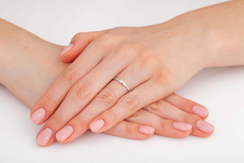 Inel Dama/ Inel de Logodna Aur Alb 14kt cu 2 Diamante in Forma de Inima-img1